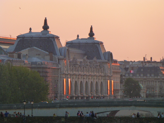 Real estate prices in Paris- guided tour through all arrondissements