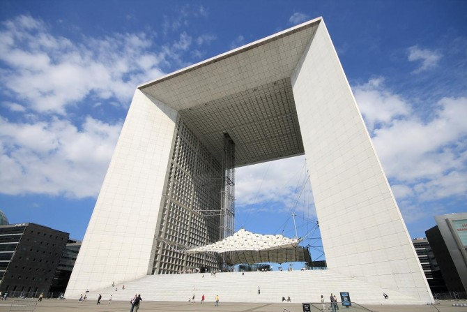 Paris' business district, La Défense undergoes modernization