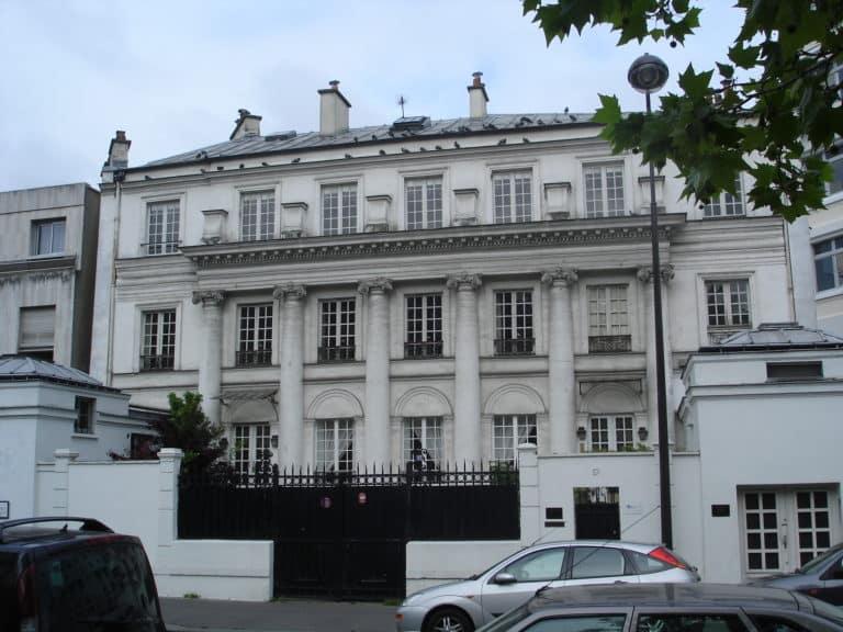 this is paris life real estate market news paris property group. Black Bedroom Furniture Sets. Home Design Ideas