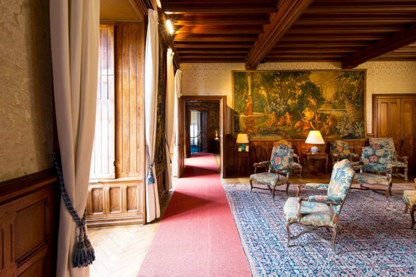 French chateau and offers buyers a home that is both spacious and easily manageable we believe it will be of interest to buyers all over the world