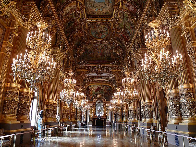 Foyer L Ensoleillado Salon De Provence : The paris opera hosts an escape game — property group
